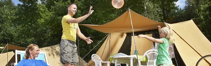 Möblierte Zelte